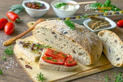 Apulisches Olivenbrot – Pane pugliese alle olive