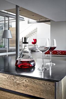 Blomus 63482 Dekantierkaraffe Delta. Gernekochen - Mit Wein genießen