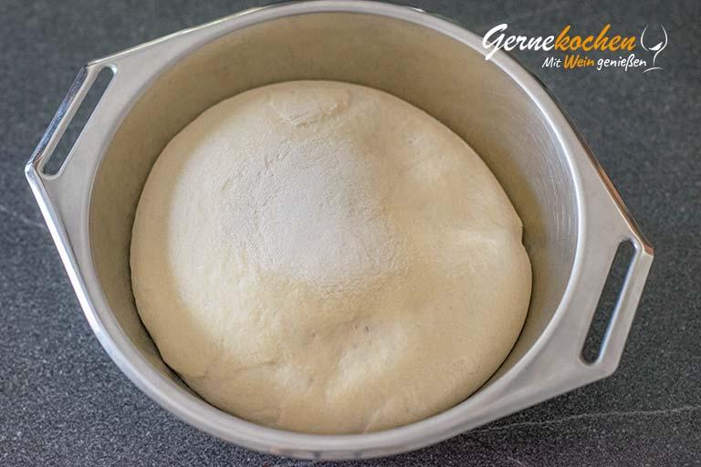 Pizzateig selber machen - Zubereitungsschritt 3.1