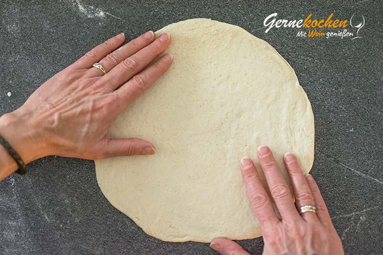 Pizzateig selber machen - Zubereitungsschritt 4