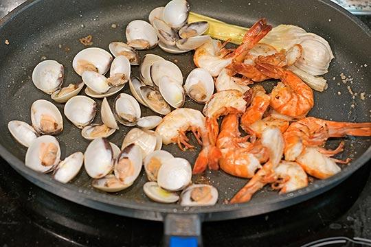 Griechische Fischsuppe. Gerne kochen mit Wein