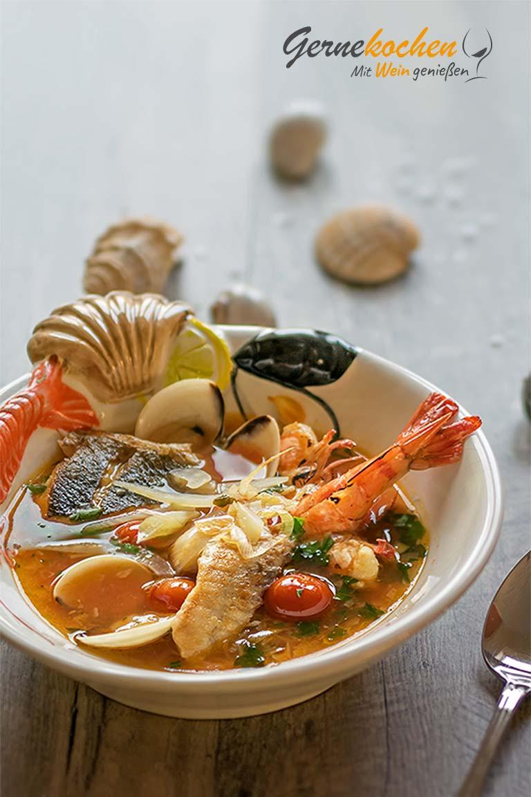 Kakaviá - Griechische Fischsuppe, Psarósoupa. Gernekochen - Mit Wein genießen