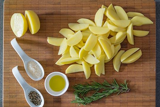 Kartoffelspalten aus dem Backofen - Zubereitungsschritt 1