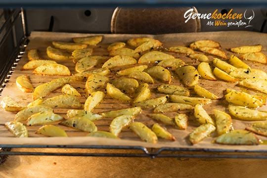 Kartoffelspalten aus dem Backofen - Zubereitungssschritt 2