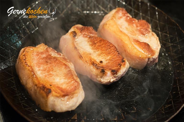 Rückensteak vom Mangalitza-Schwein auf ungarische Art – Zubereitungsschritt 9.2sschritt 9.2