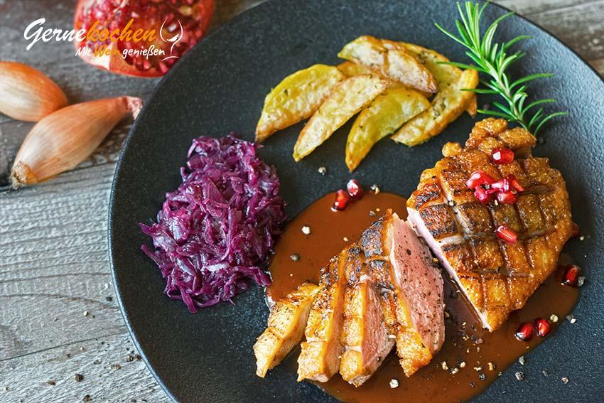 Gebratene Entenbrust mit Granatapfel-Rotwein-Sauce Rezept