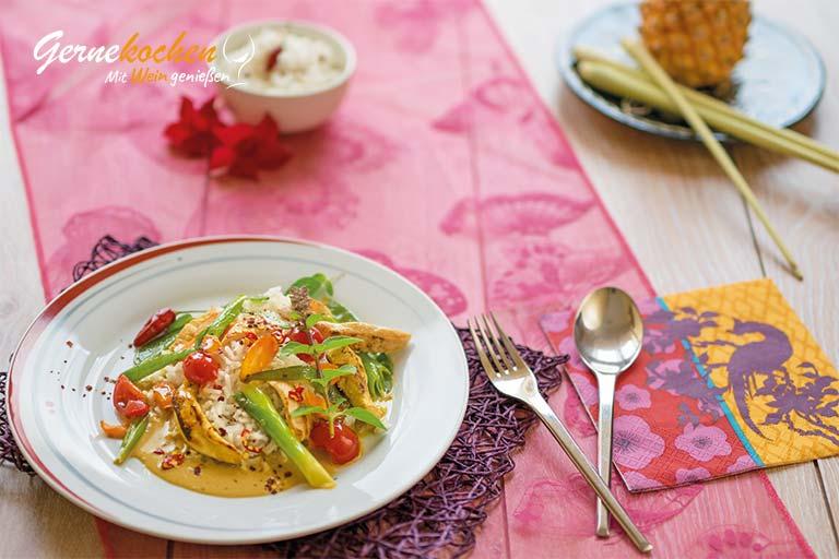 Thailändisches Hähnchen-Curry mit Kokosmilch. Gernekochen mit Wein