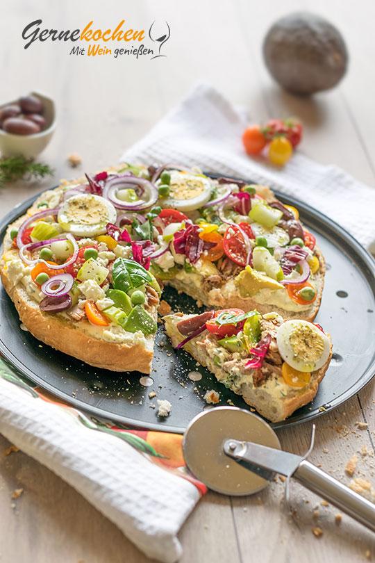 Griechische Fladenbrotpizza. Gernekochen - Mit Wein genießen