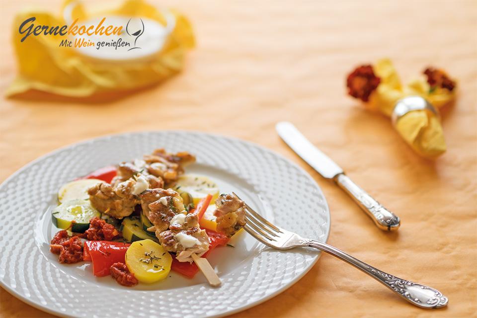 Gernekochen - Mit Wein genießen: Hähnchen-Kebab mit buntem Sommergemüse