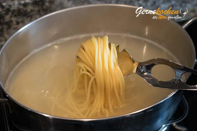 Spaghetti  alla arrabiata - Zubereitungsschritt 4