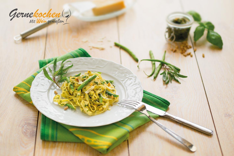 Tagliatelle mit Kräuter-Pesto Rezept