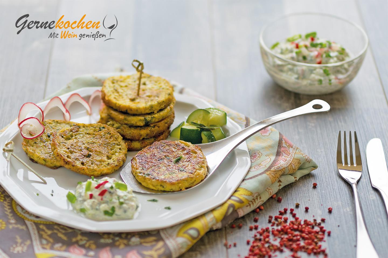 Zucchinipuffer mit Radieschenquark. Gernekochen - Mit Wein genießen