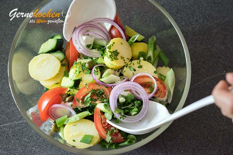 Griechischer Kartoffelsalat mit Feta – Zubereitungsschritt 3