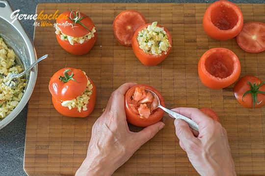 Gefüllte Tomaten - Domátes gemistá - Zubereitungsschritt 3