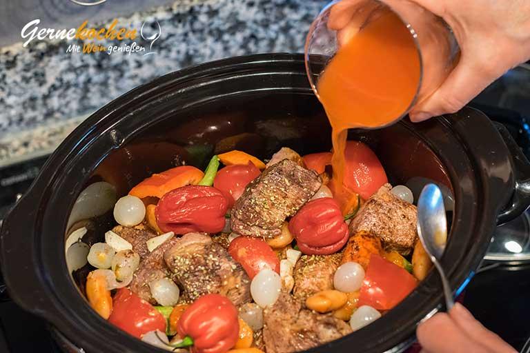 Kalbfleisch-Stifado aus dem Slow Cooker - Zubereitungsschritt 3