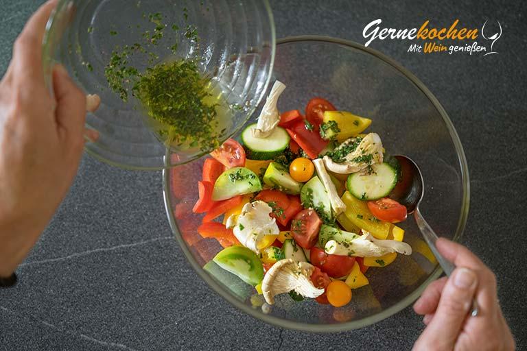 Mediterranes Ofengemüse mit Sardellen, Austernpilzen und Quinoa – Zubereitungsschritt 2