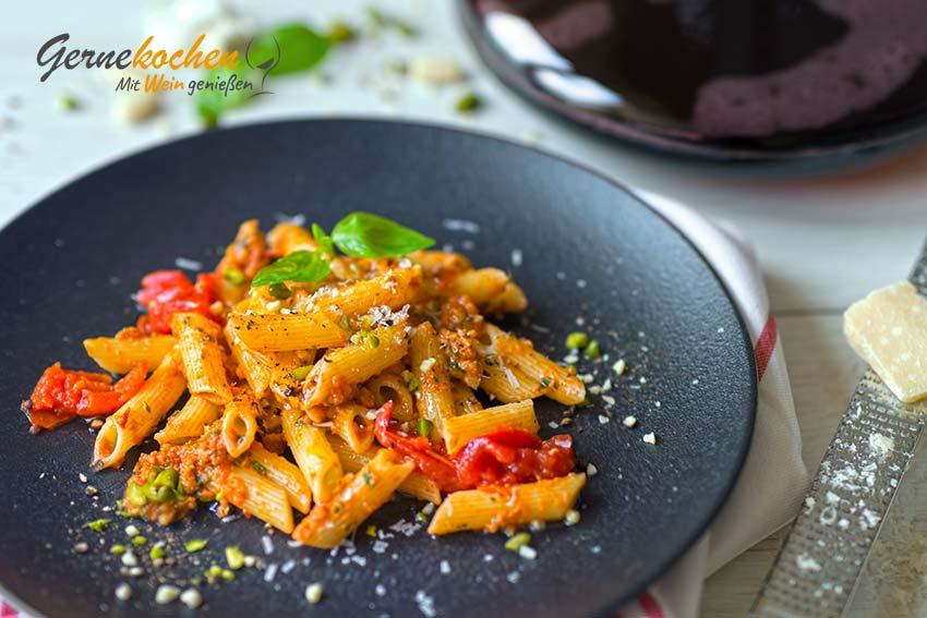 Pasta mit Pesto alla trapanese nach sizilianischer Art
