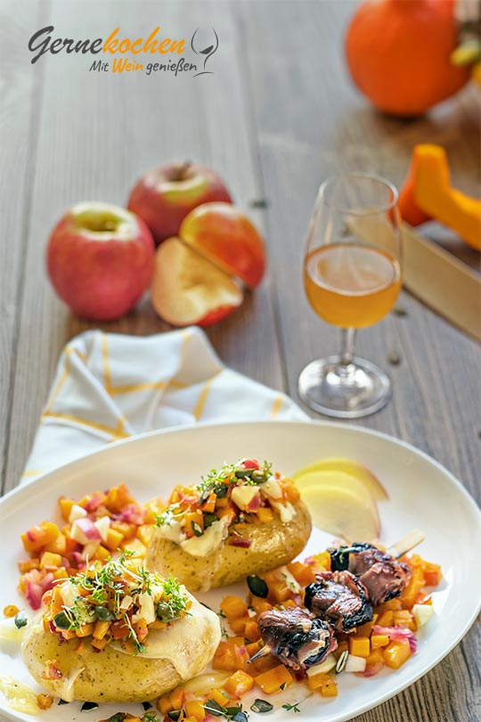 Ofenkartoffeln mit Apfel-Kürbis-Mix. Gerne kochen mit Wein