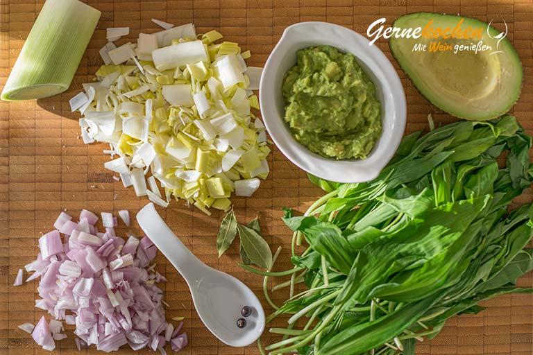 Avocado-Bärlauch-Suppe mit Gnocchi - Zubereitungsschritt 1