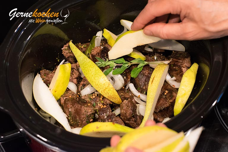 Wildgulasch mit Quitten und Birnen - Zubereitungsschritt 3.2