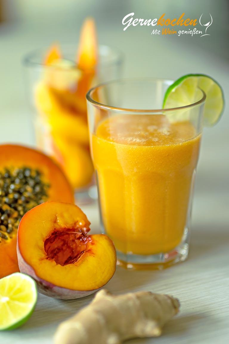Pfirsich-Papaya-Smoothie mit Kokoswasser