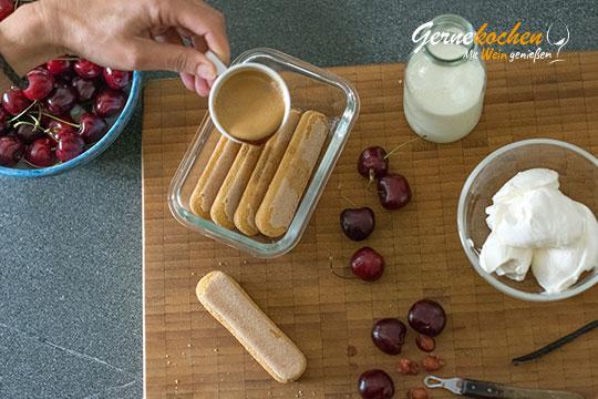 Kirsch-Tiramisu im Glas - Zubereitungsschritt 1