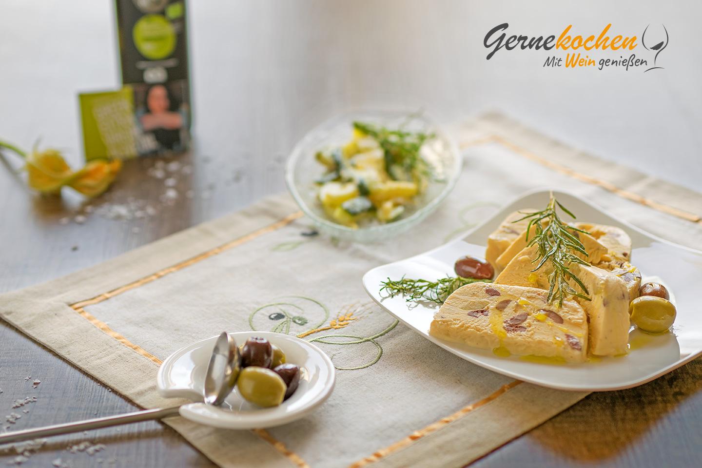 Mediterranes Oliven-Rosmarin-Parfait Greek Style«. Gernekochen - Mit Wein genießen