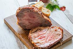 Food-Fotografie: Iberico vom Grill mit Erdbeer-Ketchup