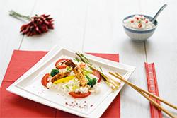 Food-Fotografie: Chinesische Wokpfanne mit Hähnchenbrustfilets