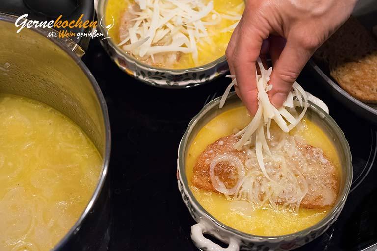 Zwiebelsuppe nach französischer Art – Zubereitungsschritt 4.2