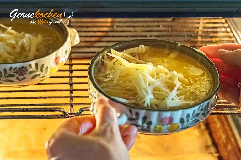 Zwiebelsuppe nach französischer Art – Zubereitungsschritt 5