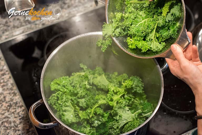 Grünkohl mit Würstchen und Speck - Zubereitungsschritt 3