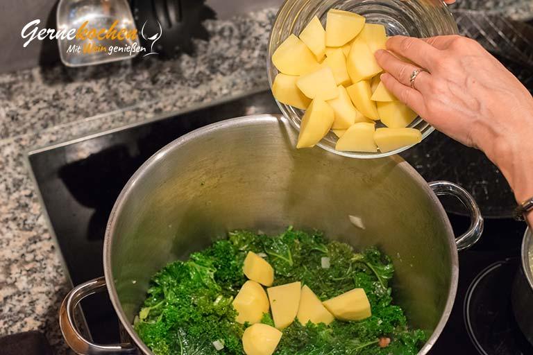 Grünkohl mit Würstchen und Speck - Zubereitungsschritt 4