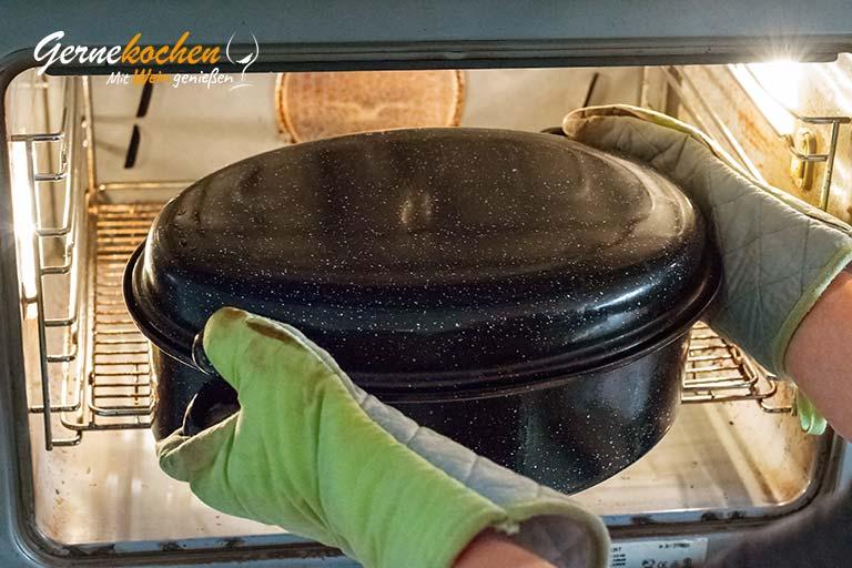 Milchzickleinkeule aus dem Backofen nach Omas Art – Zubereitungsschritt 7