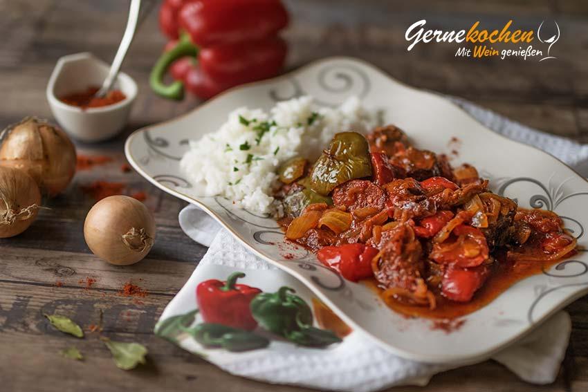 Lesco mit Rindfleisch – Ungarisches Gulasch aus dem Slow Cooker