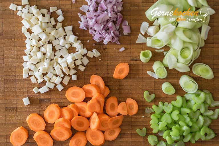 Hühnerfrikassee mit Erbsen und Spargel - Zubereitungsschritt 1.3