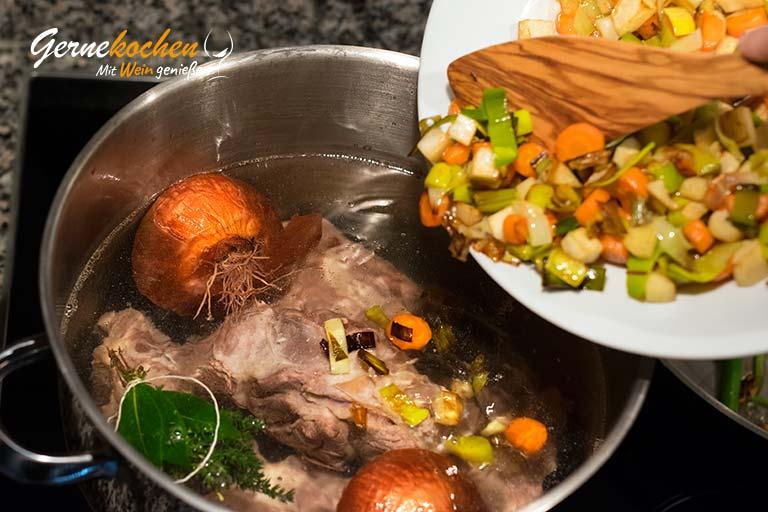 Borschtsch - Rote-Beete-Suppe - Zubereitungsschritt 1