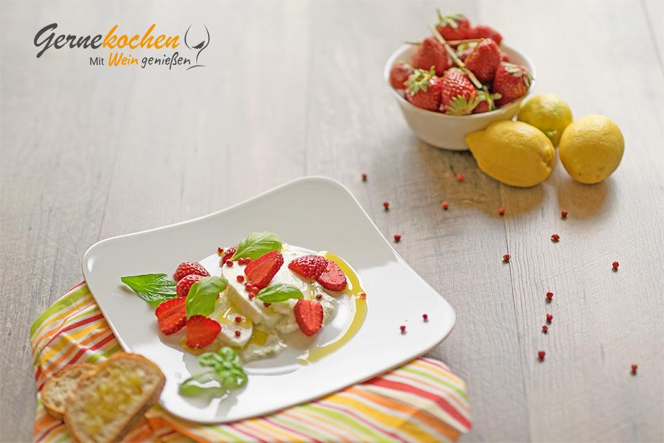 Erdbeer-Mozzarella-Salat. Gernekochen - Mit Wein genießen.