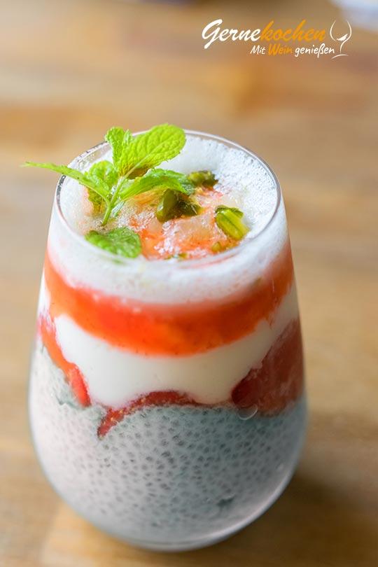 Chiasamenpudding mit Erdbeeren. Gernekochen - Mit Wein genießen