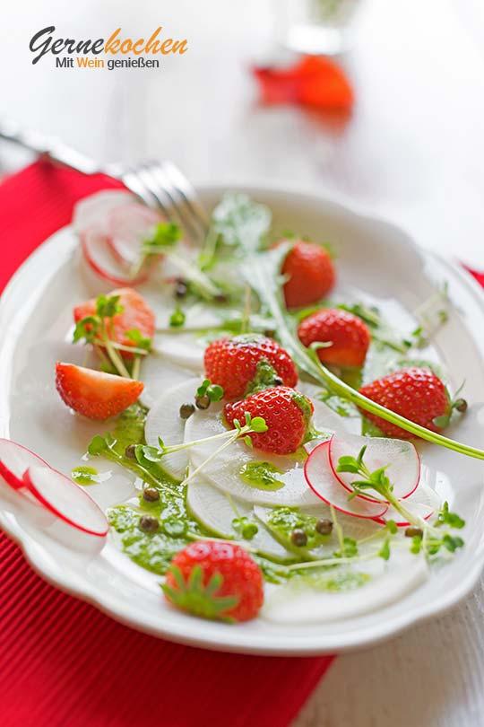 Food-Fotografie: Erdbeer-Rettich-Salat mit Kräuterdressing
