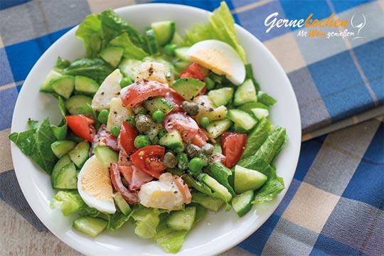 Russischer Salat mit Joghurtdressing. Gernekochen - Mit Wein genießen