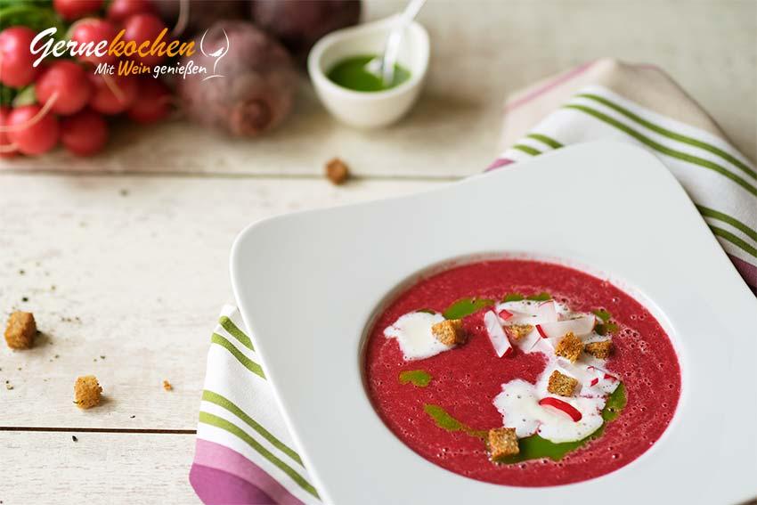 Schaumige Radieschen-Rote-Beete-Suppe. Gernekochen Mit Wein genießen