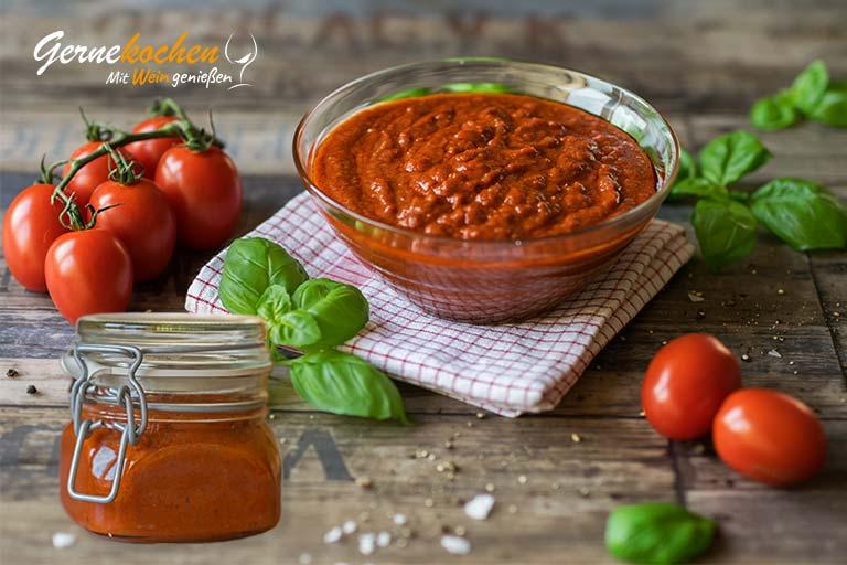 Tomatenketchup selber machen aus frischen Tomaten ohne Zucker